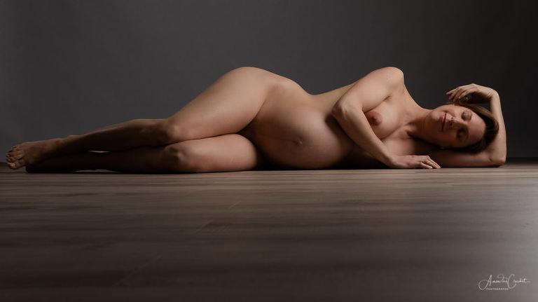 Photos de nu pour femme enceinte
